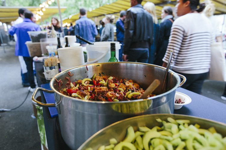 Le Food Market in Belleville: a pop-up market allowing you to sample cuisine from around the world. Courtesy of the official website