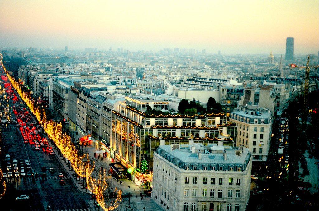 Winter in Paris, circa 1996. EuroVizion/Creative Commons
