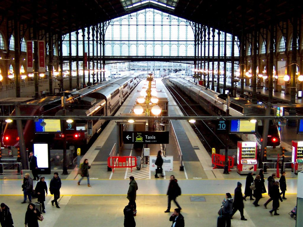 Trains and passengers at Gare du Nord, Paris, where the Eurostar stops. Image: TeaMeister/Creative Commons