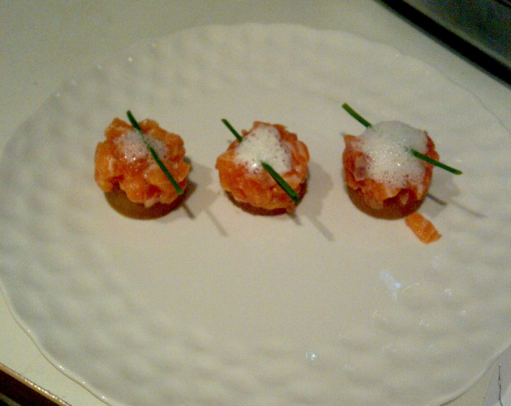 The first course: Salmon tartare with chives. Image: Colette Davidson/All rights reserved