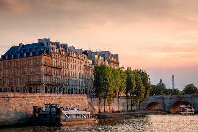 Sunset over the Seine and the Ile de la Cité, Paris. Credit: Joe de Souza/Creative Commons