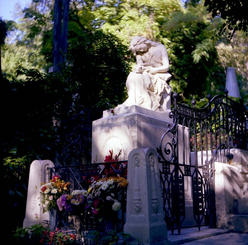 The tomb of composer Frederic Chopin at Père-Lachaise Cemetery in Paris/Image: OsborbB/Creative Commons