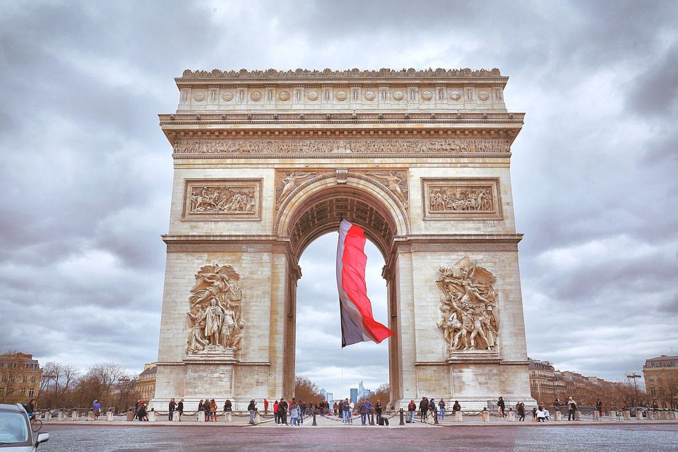 The Arc de Triomphe: symbol of military pomp, but also a solemn memorial site.