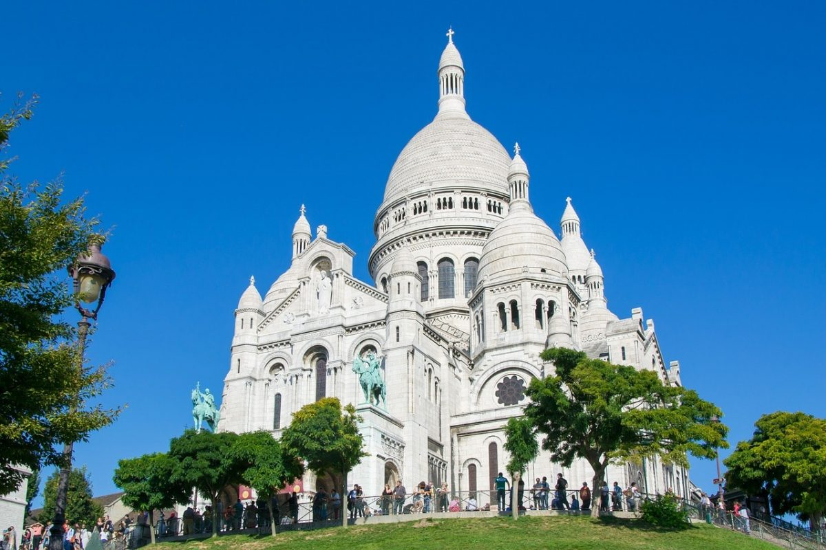 Sacré Coeur Basilica, an iconic sight on the Parisian skyline.