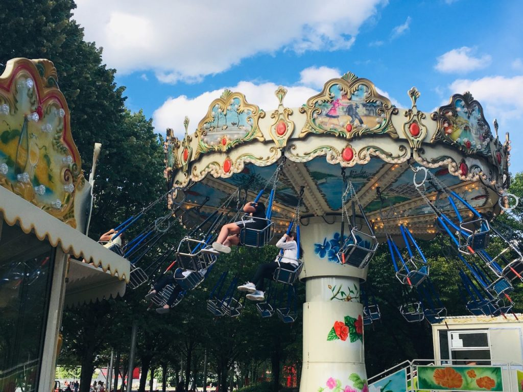 Carnival rides and games at the Parc de la Villette: ideal for kids.