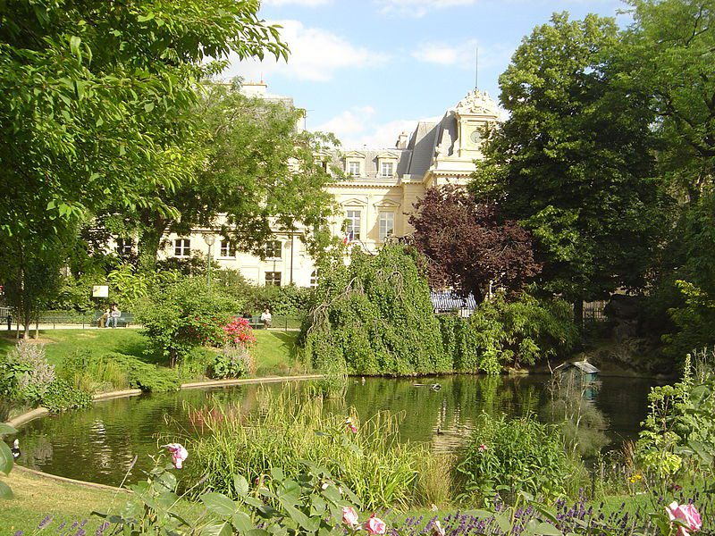 Square du Temple in the 3rd arrondissement: a little-known haven. ©2005 David Monniaux