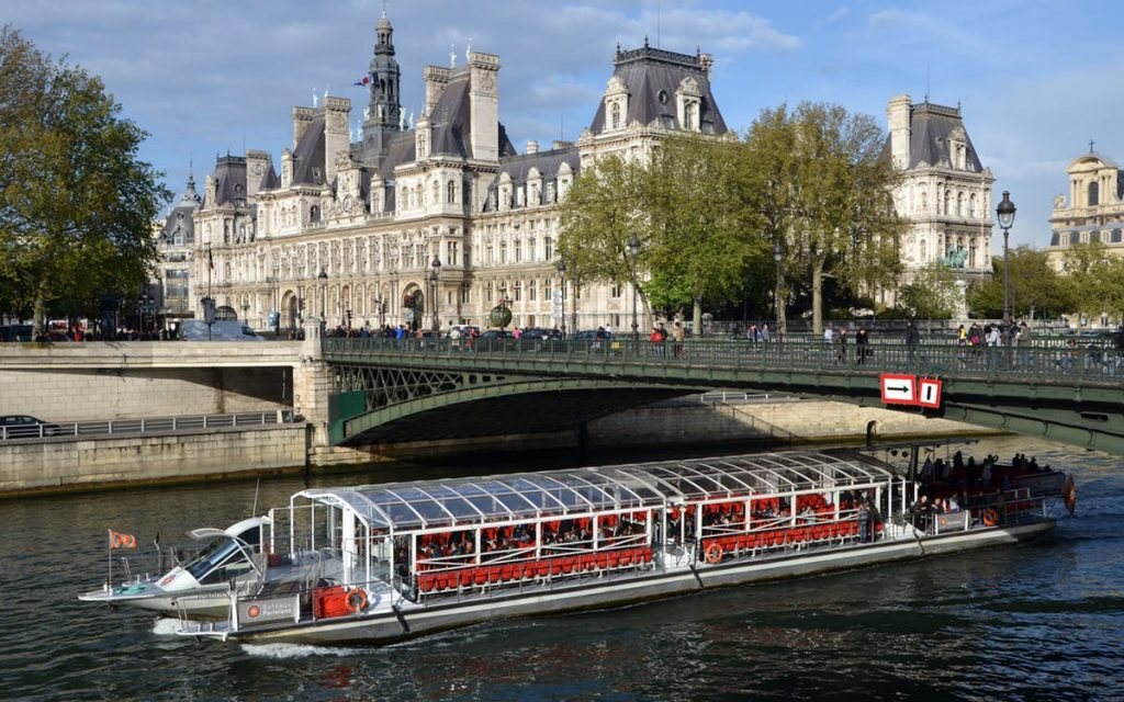 Bateaux Parisiens are considered among the best boat tour operators in Paris.