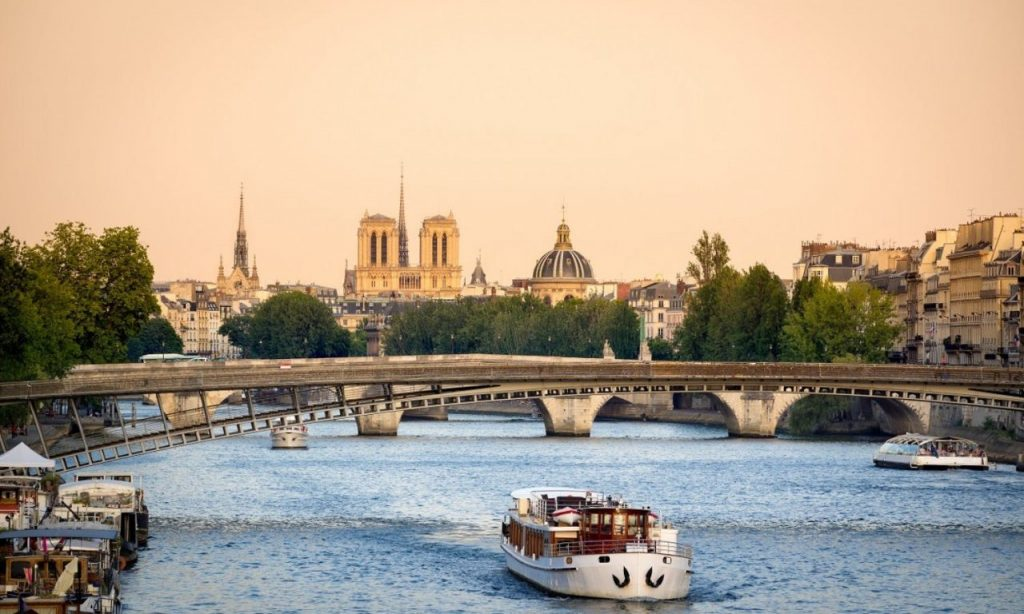 When is the best time of year to take a sightseeing cruise of the Seine or other boat tour?