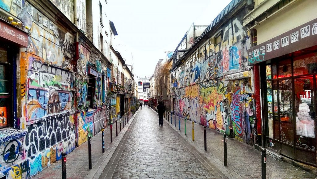 Street art on Rue Denoyez in Belleville, where many artists' studios are situated. Image credit: @DrGarcia/Creative Commons 2.0